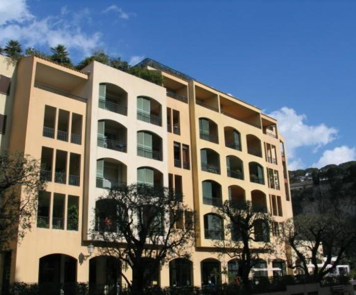 FACING THE PORT OF FONTVIELLE - LUXURY APARTMENT