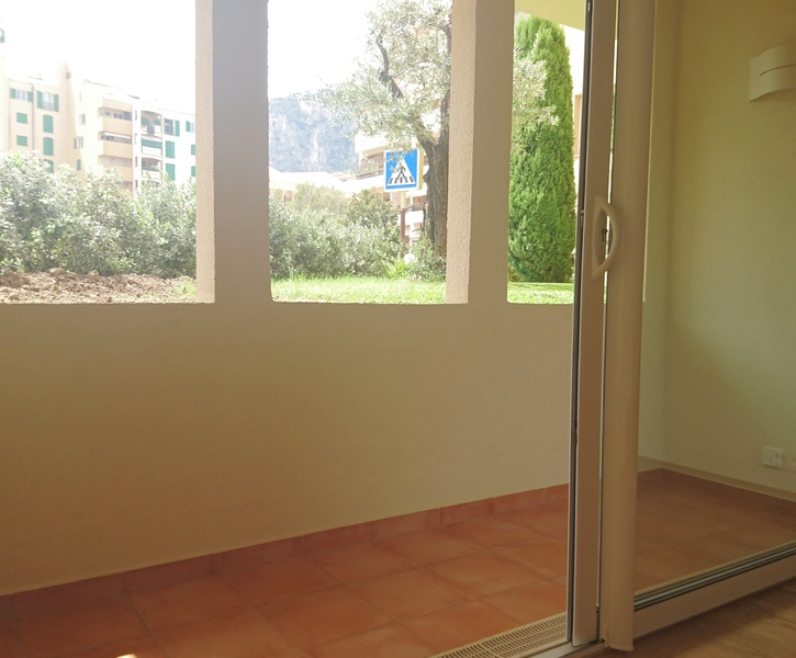 NICE 2 ROOMS  - FONTVIEILLE